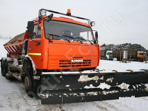 Универсальная уборочная машина, КО-823 на шасси КАМАЗ-65115